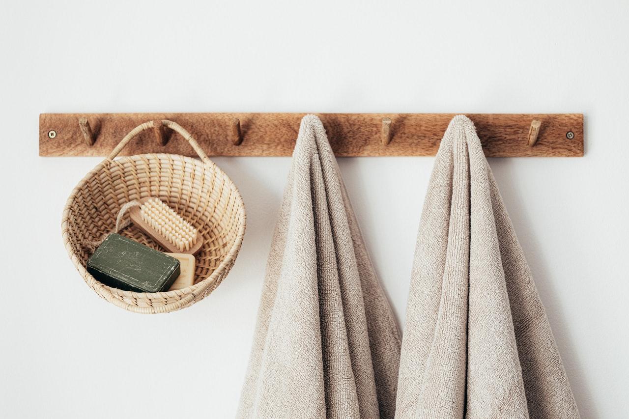 Příslušenství do koupelny v rustikálním stylu